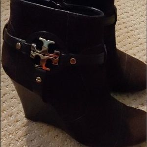 Boots tory burch